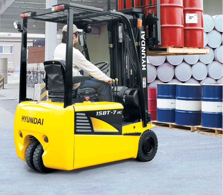 Hyundai 7AC Series Three Wheel Electric Forklifts